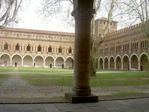 Modellazione dell ala est del castello visconteo di pavia for Piani di coperta del cortile